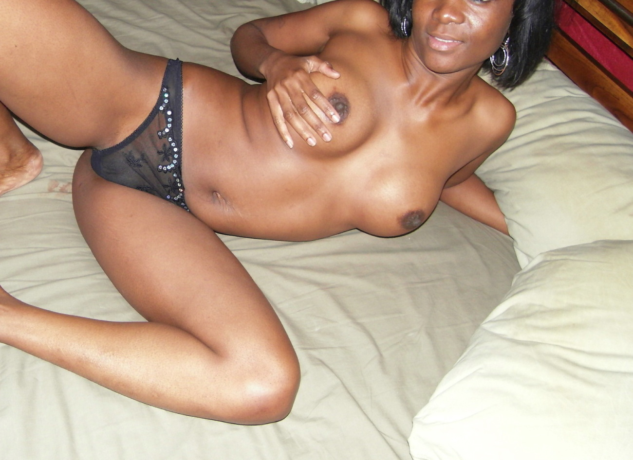 Ebony GIRLFRIENDS! - 100%..