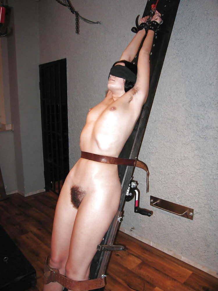 Fantastic Frauen in Restrain bondage -..