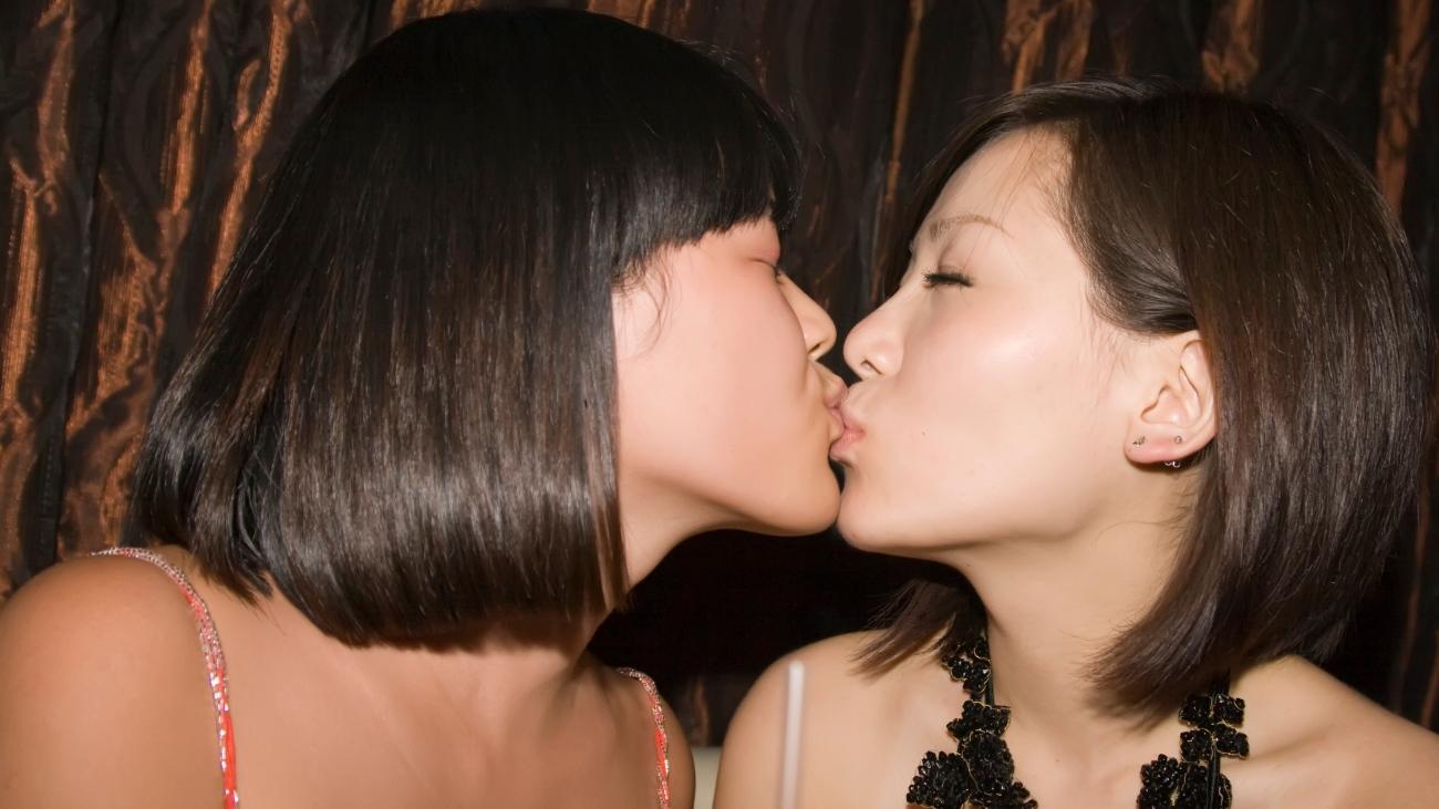 Wallpaper : beauty, girl, lady, kiss,..