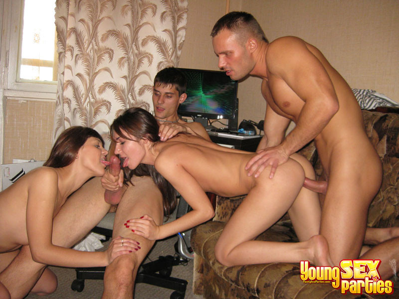 Dudes and gals in titillating four-way..