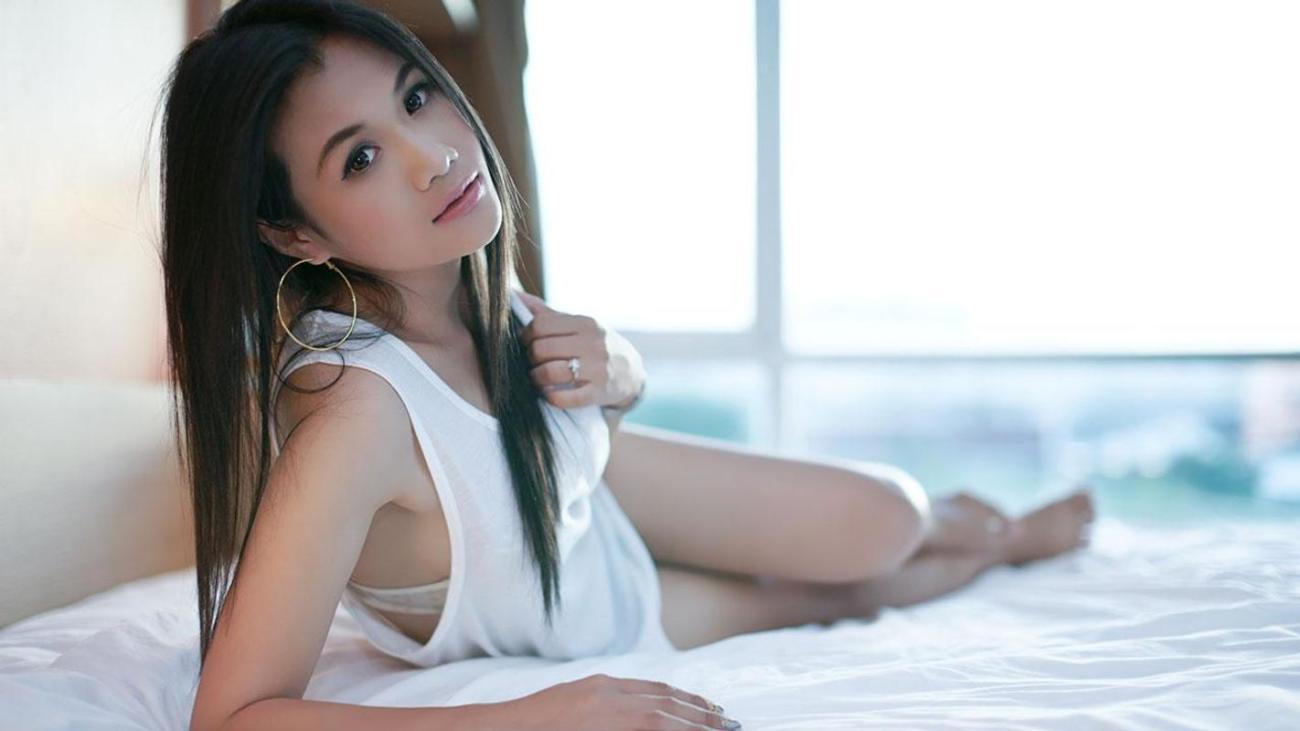 Азиатская девушка..