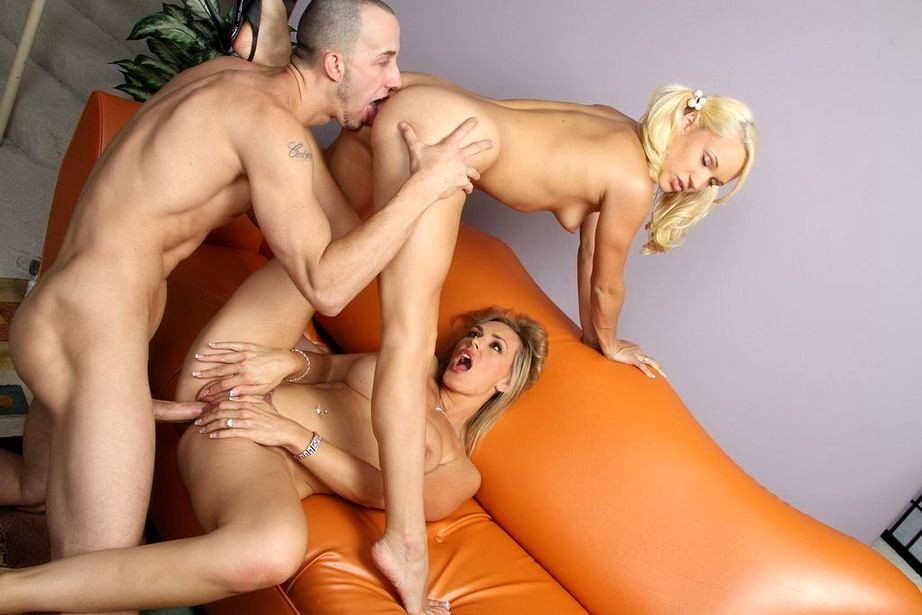 Stunner Today Couples Drill The Baby..