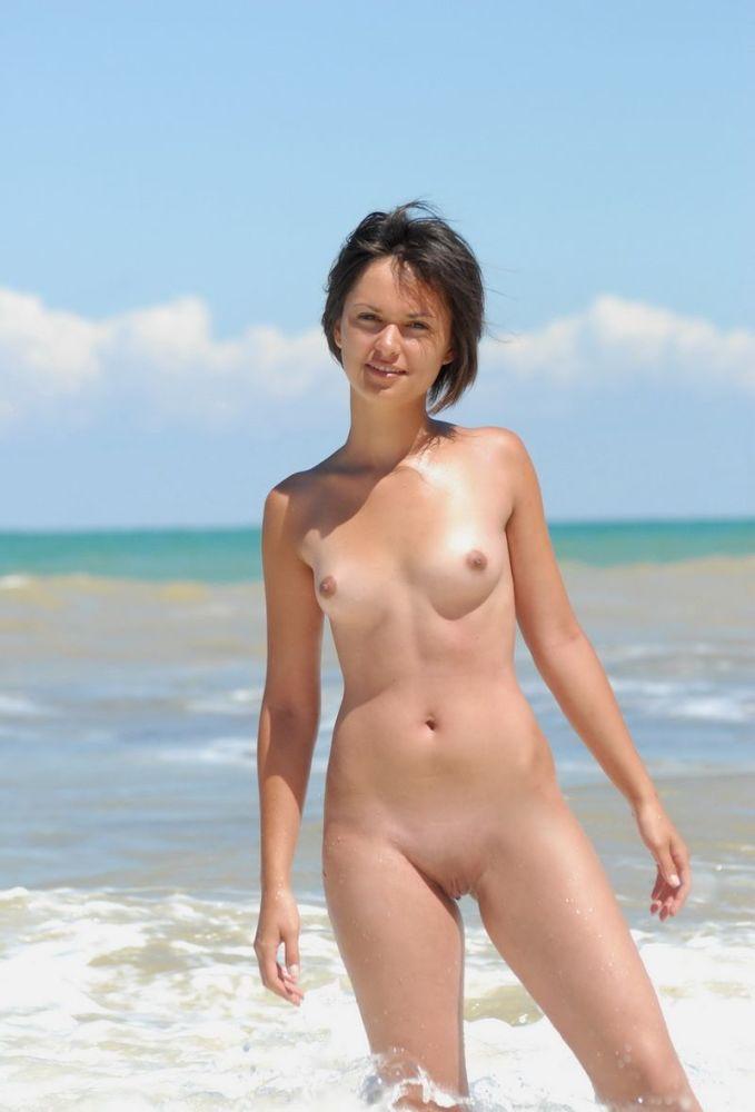 brief haired beach naked (4).jpg..