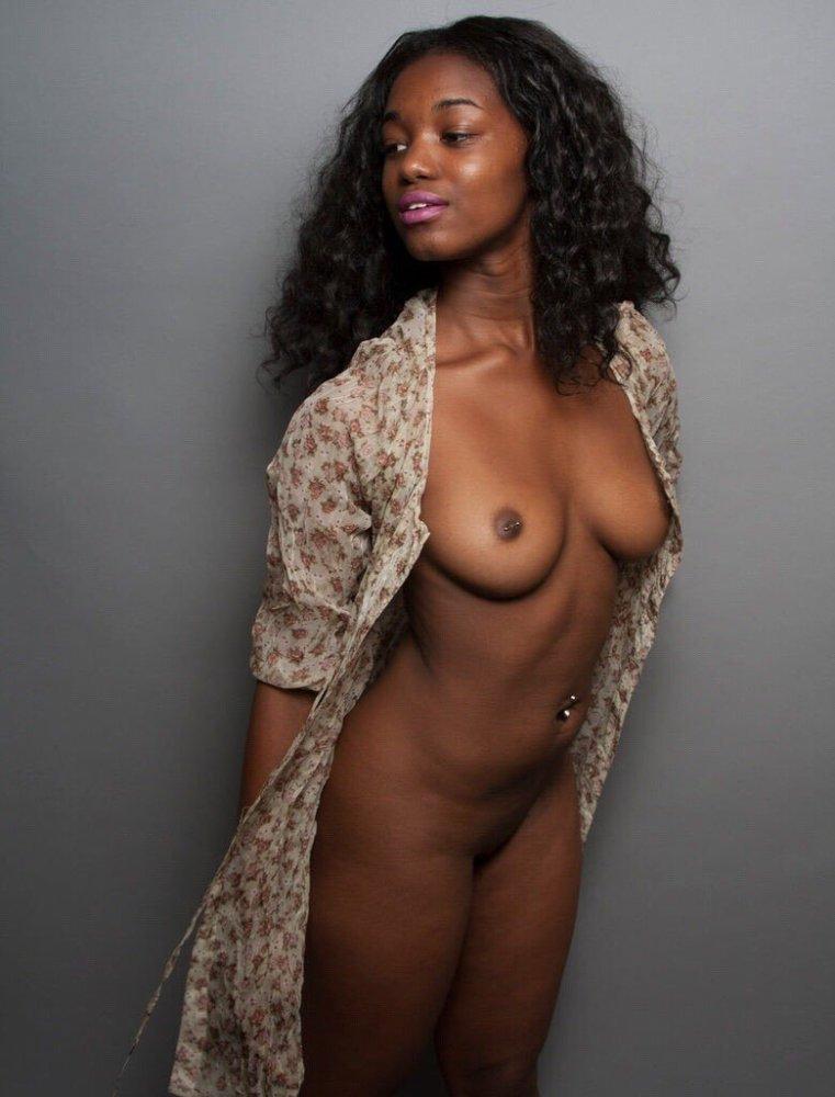 Naked Ebonies в Твиттере:..