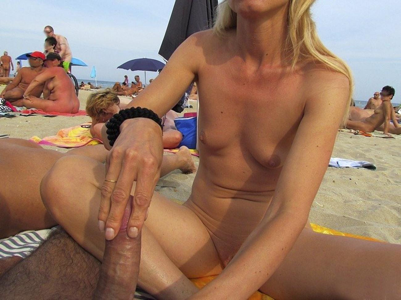 Super hot Ash-blonde gives Fellate..