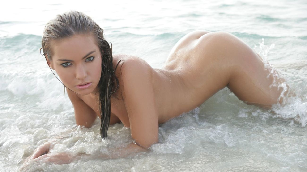 Обои wet, naked, hot, eyes, ass,..