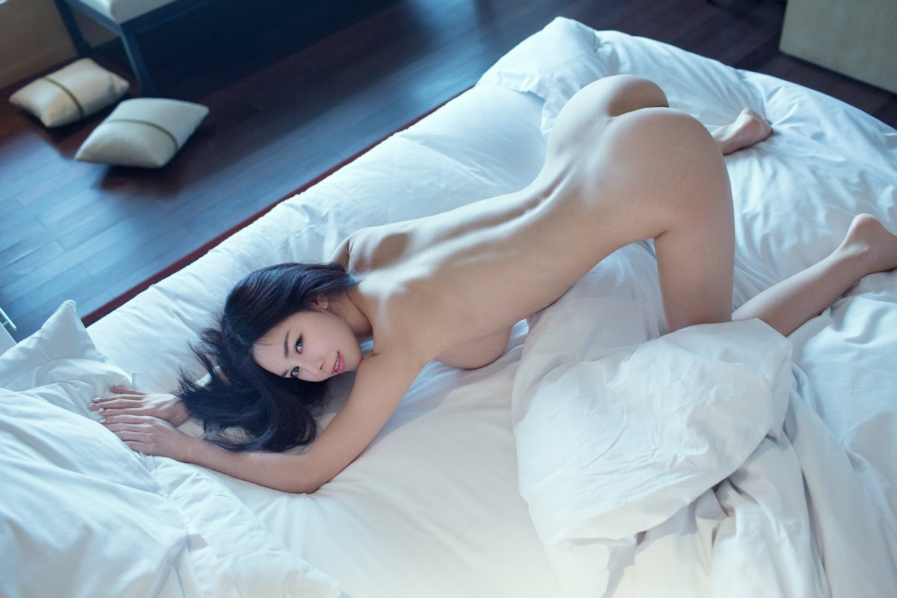 Giant  Japanese Dame Bare Uncensored:..