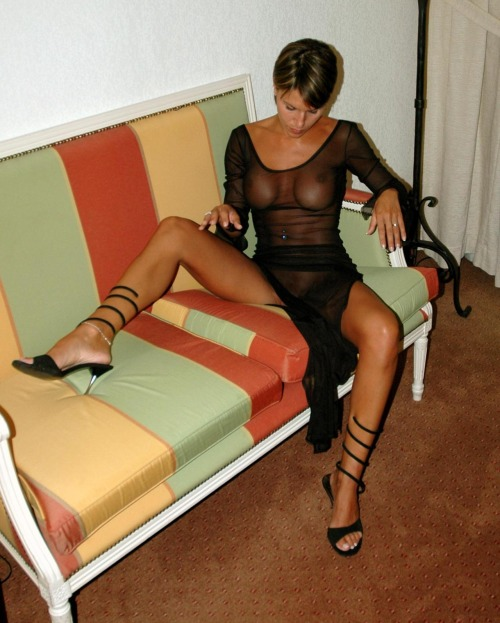 Marvelous gf opening up gams to flash..