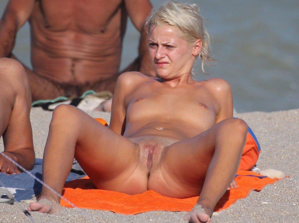 Spycam naturist beach first-timer..