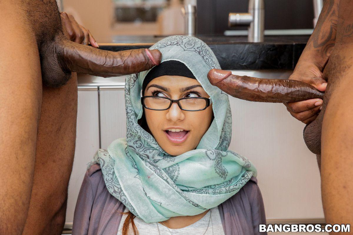 2 ebony manhood grope the lips of the..