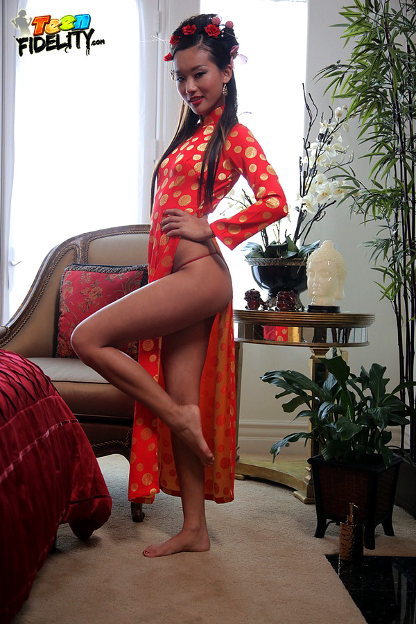 Chinese young Alina tempts dude and..