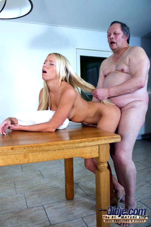 Blondie little girl steadies her..